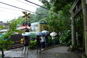 鎌倉御霊神社前の江ノ電
